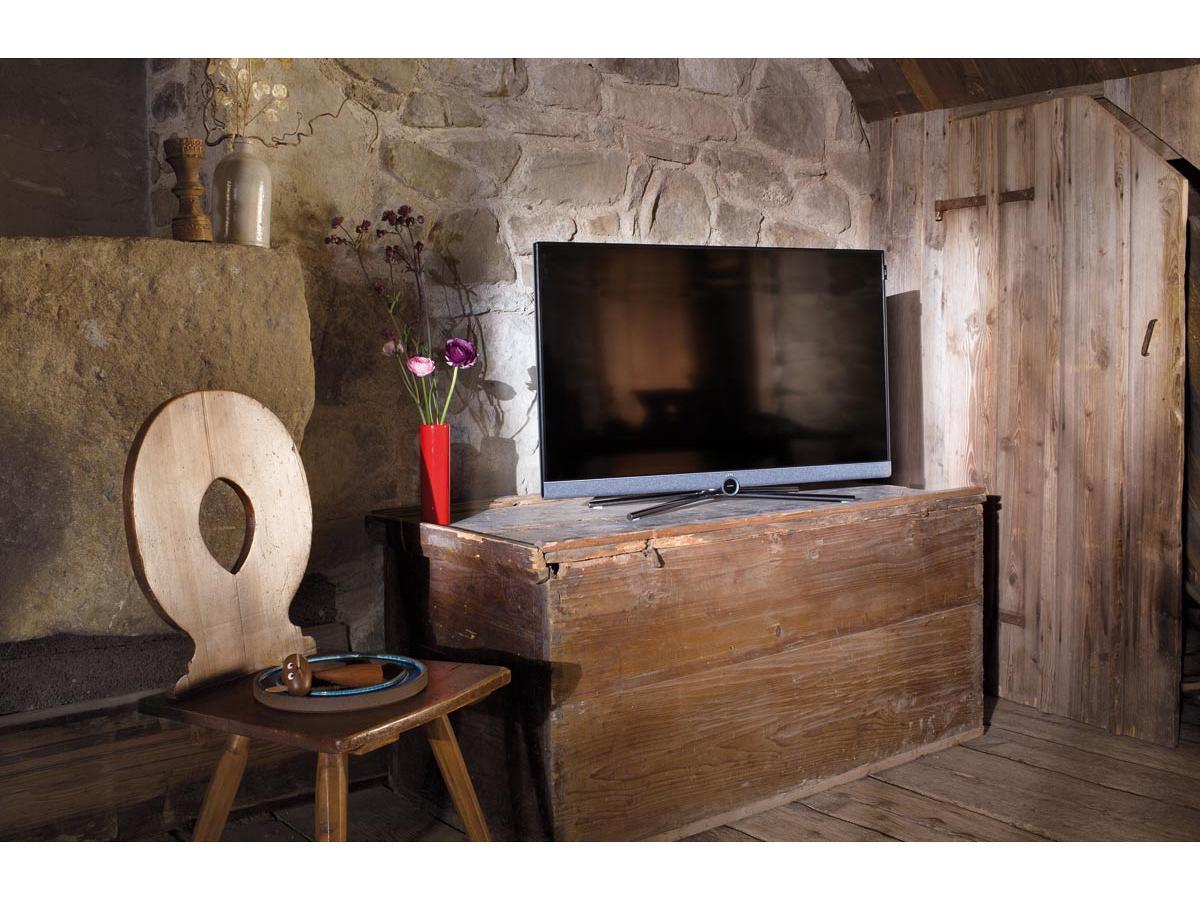 loewe serie bild 5 oled loewe display in vendita su hi fi. Black Bedroom Furniture Sets. Home Design Ideas